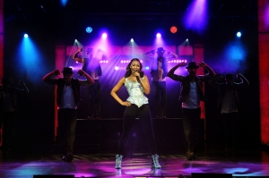 Bodyguard_19._Beverley_Knight_(Rachel_Marron)_in_The_Bodyguard_at_the_Dominion_Theatre._Photo_credit_Alessandro_Pina
