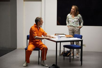 Trevor White and Angela Griffin in Building The Wall at the Park Theatre. Photo by Mark Douet _50A1784_preview